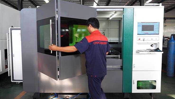 Aspect élégant et technologique des fraises laser à fibre